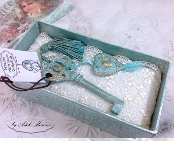 decoupage box and Shabby Chic key/Made in by Digitalpapersandmore