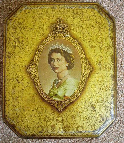 Vintage/1950s Queen Elizabeth II Coronation Biscuit Tin - MacFarlane Lang & Co | eBay