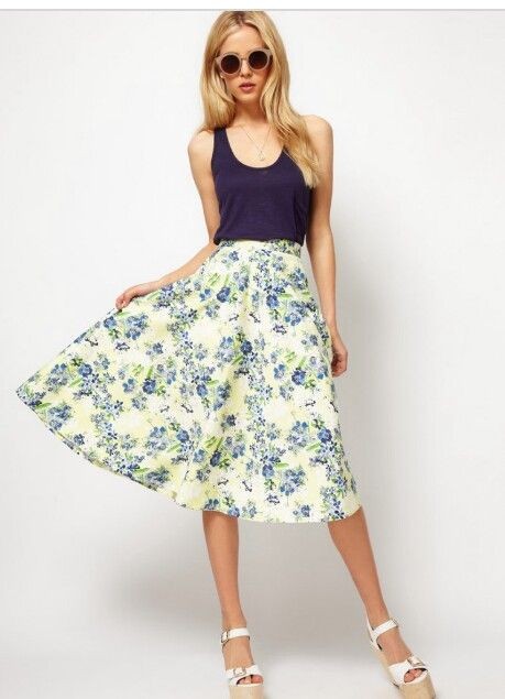 Love this skirt! My navy blue top I received in a previous fix would work with the colors!