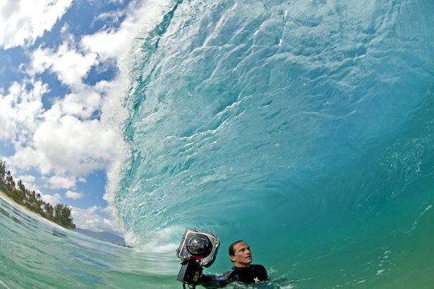 Clark Little : surfeur-photographe