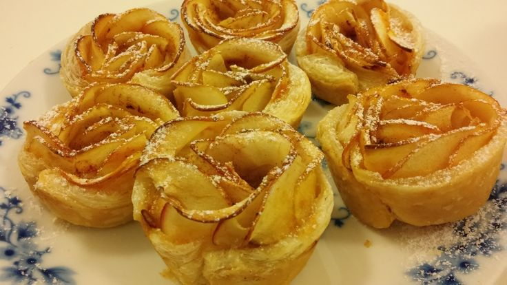 Apple roses with apricot marmelade