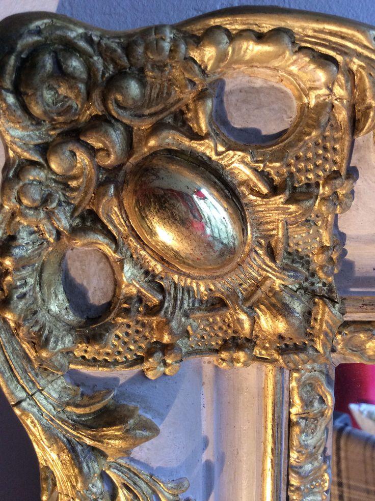 Anne PADOVANI  DOREUR -DECORATEUR  dorure et décors peints  bois dorés - tout type en bois sculptés dorés ( or et argentés ... )  encadrements de tableau glaces trumeaux  fauteuils consoles éléments de decoration
