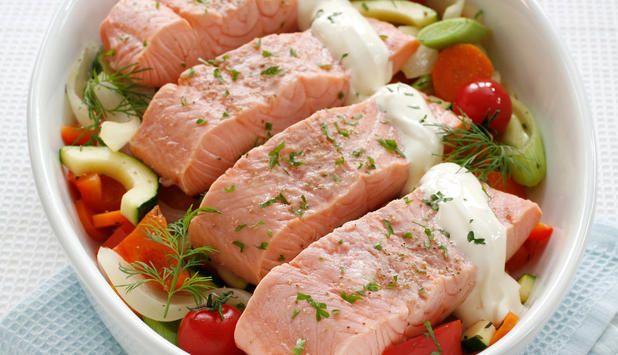 Dette er en enkel oppskrift som fort blir en favoritt. Mens fisken godgjør seg i stekeovnen har du tid til å dekke bordet og ta ut av oppvaskmaskinen.