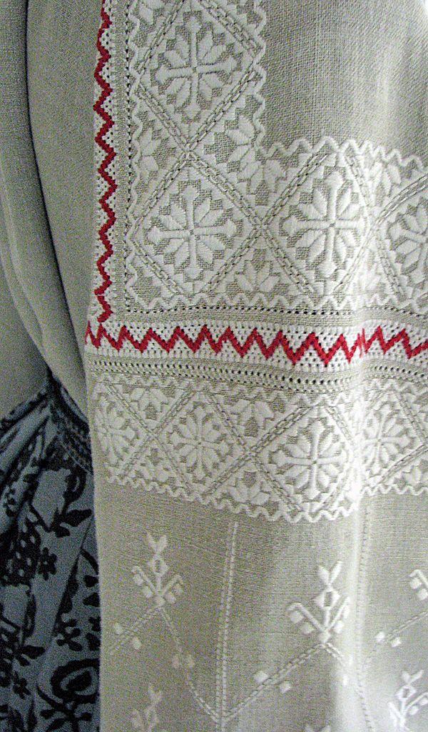 #Ukrainian #embroidery #shirt #Украинская #вышивка #Вышиванка #Українська #вишивка #Вишиванка #Україна #Ukraine #Українці #Ukrainians #Украинцы