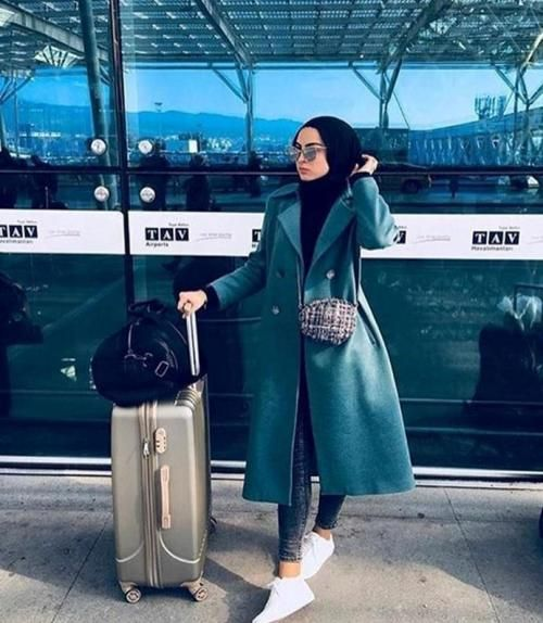 Hijab traveling style-How to wear colorful hijab in winter – Just Trendy Girls