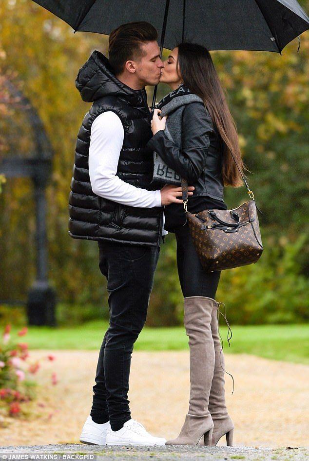 Emma McVey in a Scottish babymoon with Gaz Beadle | Buy ➜ https://shoespost.com/emma-mcvey-scottish-babymoon-gaz-beadle/