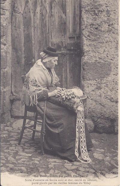 Dentelliere du Puy en Velay - costume and regional jewelery.