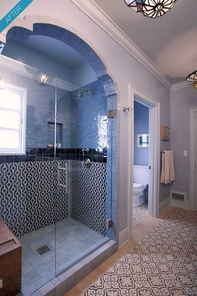 Shower with blue tiles and a hint of Arabian arch....... OMG!!!!..... this is beautiful!!!!!!!!