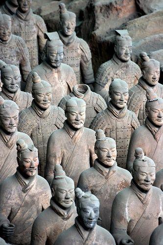 terra cotta soldiers of Xin Emperor