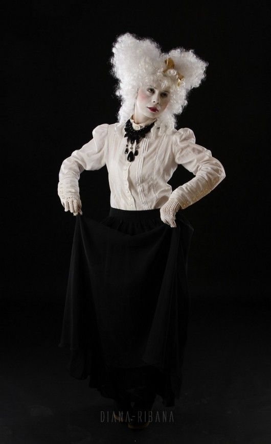 Câteva fotografii cu Diana-Ribana > http://cemerita.ro/cateva-fotografii-cu-diana-ribana/