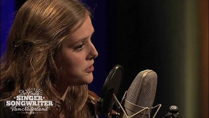 "Lovely Dutch singer Maaike Ouboter singing ""Dat ik je mis"" on De Beste Singer-Songwriter aflevering 2 Lyrics Translation from Dutch to English:  http://lyricstranslate.com/en/dat-ik-je-mis-i-miss-you.html"