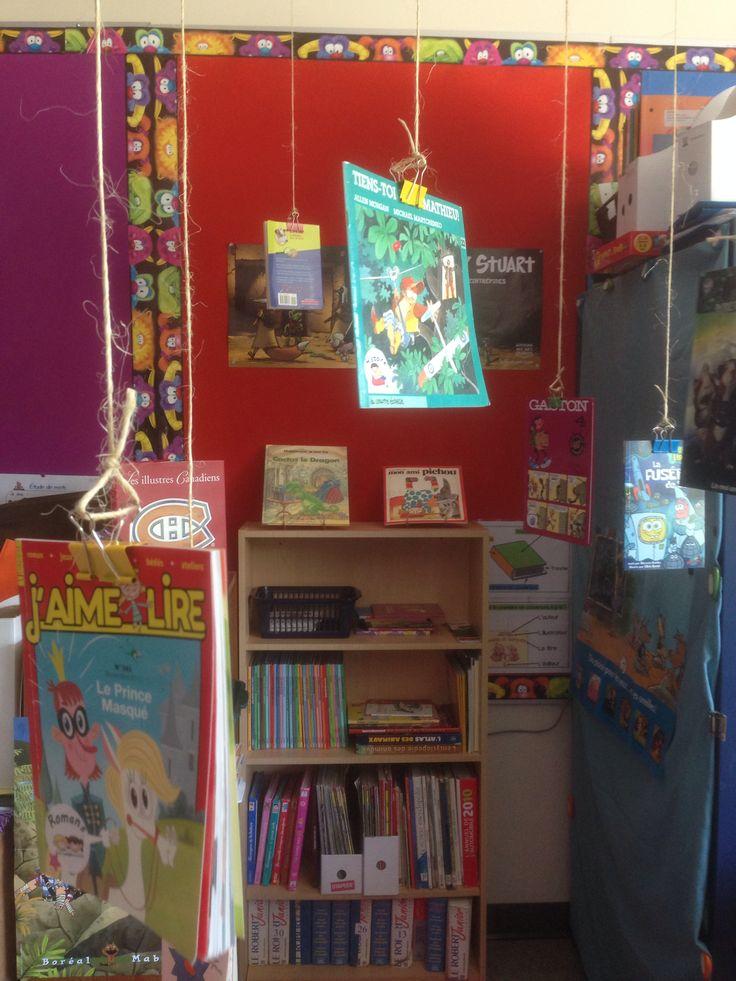 Livres suspendus dans le coin lecture!