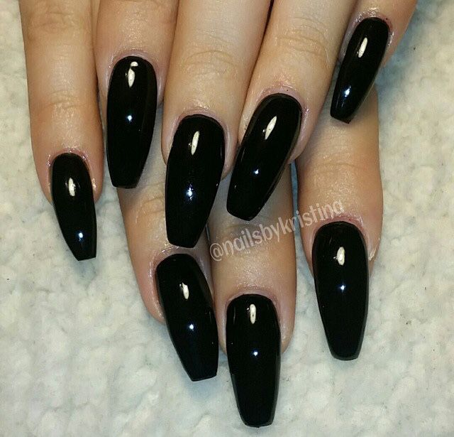 Long black coffin nails