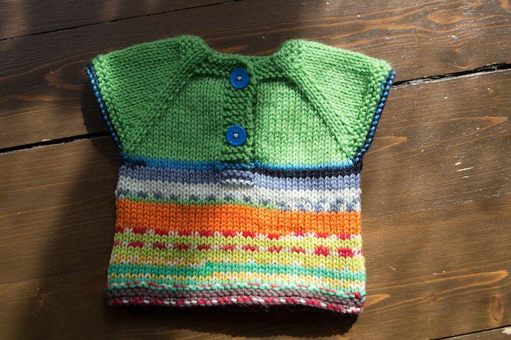 "Anna Braw's ""Ragnvaldslipover"". Free Swedish pattern in our blog."