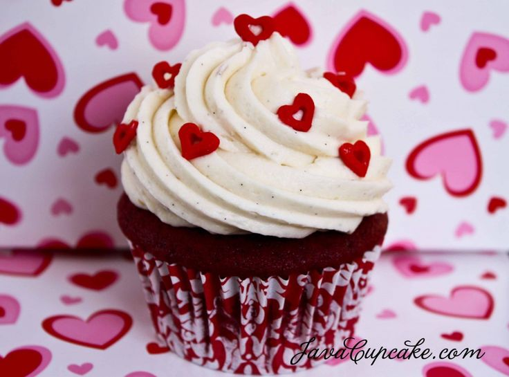 Red Velvet cupcake topped with Madagascar Vanilla bean Cream Cheese frosting!     Happy Valentine's Day! <3Valentine'S Day, Valentine Day, Cream Cheese, Cupcakes Recipe, Vanilla Beans, Valentine Cupcakes, Red Velvet Cupcakes, Cream Chees Frostings, Cupcakes Rosa-Choqu