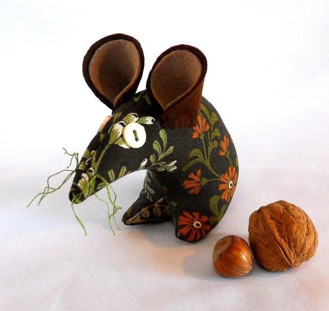 Vintage Fabric Retro Mouse , Brown Floral £9.00