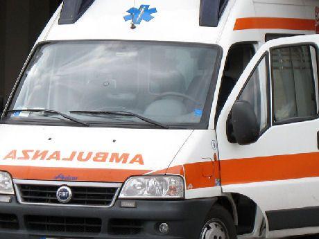 Campania: #Villa di #Briano: operaio cade da impalcatura morto sul colpo (link: http://ift.tt/2aeSvEq )