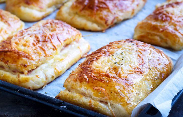 Μπριός γεμιστό με τυρί και προσούτο