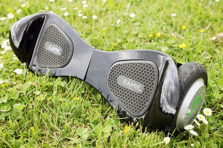 Mehr Fahrspaß mit dem Beamie durch Bluetooth®-Konnektivität und Lautsprecher, die das Abspielen von Musik von deinem Smartphone über dein Hoverboard ermöglichen.