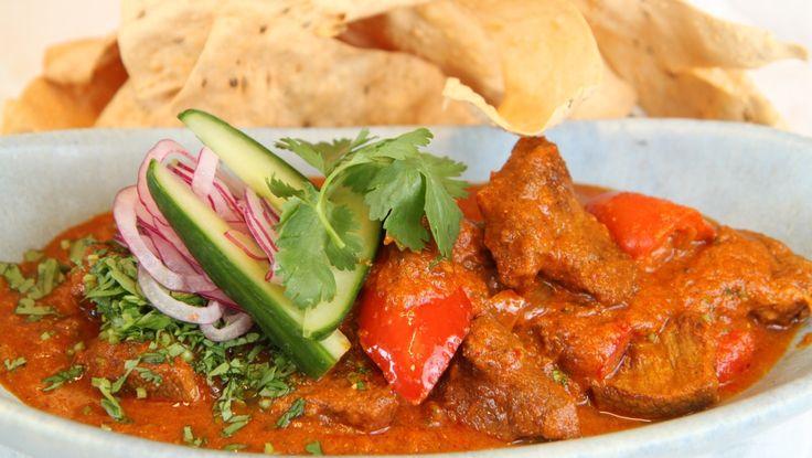 Curry curry lam nam - Lam er en ofte brukt ingrediens i indisk mat. Lise Finckenhagens lammecurry har fått navnet curry lam nam, og er kokt i to timer. - Foto: Tone Rieber-Mohn / NRK