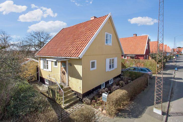 Villa på Sveasvej i Rønne - Ejendommen