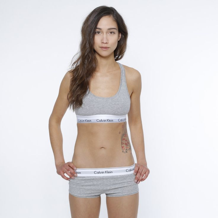 BH från Calvin Klein. Material: 53% Bomull, 35% Modal, 12% Elastan. Modellen är 168 cm och är fotad i S.