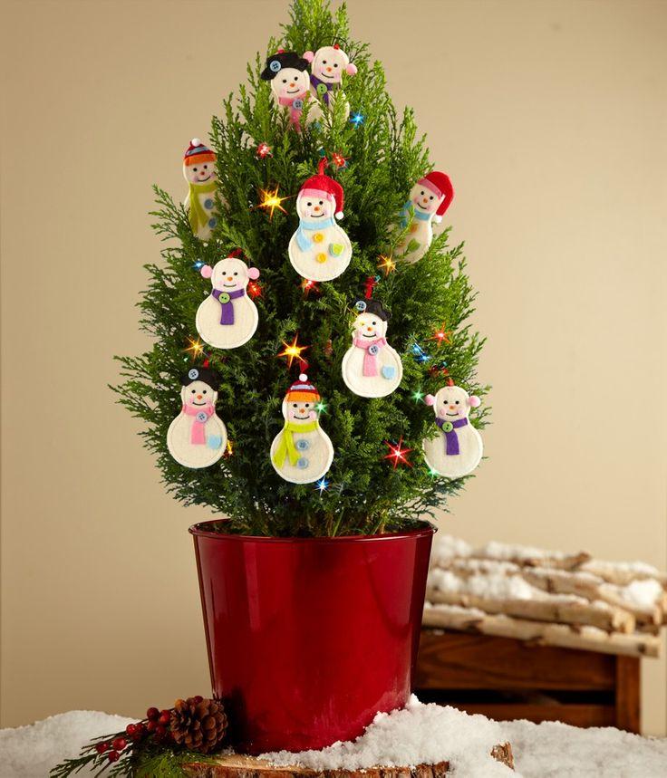 The 25+ best Real mini christmas tree ideas on Pinterest Small - mini christmas tree decorations