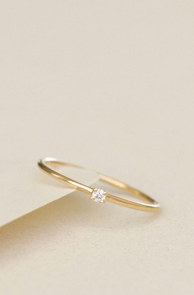 VOW: Vrai & Oro Wedding Promise Ring. Simple, tiny diamond engagement ring. Avai – Nadina Blog