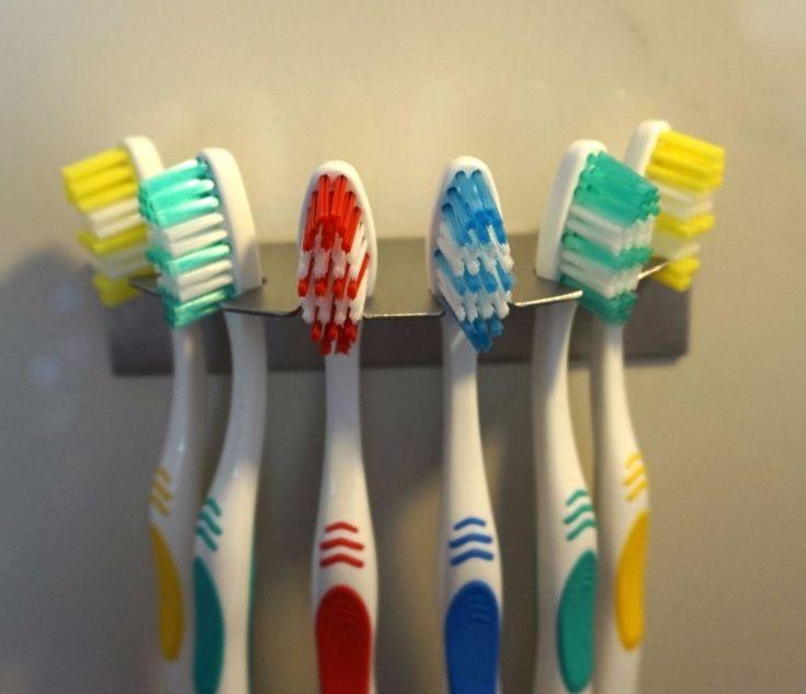 Zahnbuerstenhalter R aus Edelstahl für 6 Zahnbürsten Aufsteckbürsten oral b