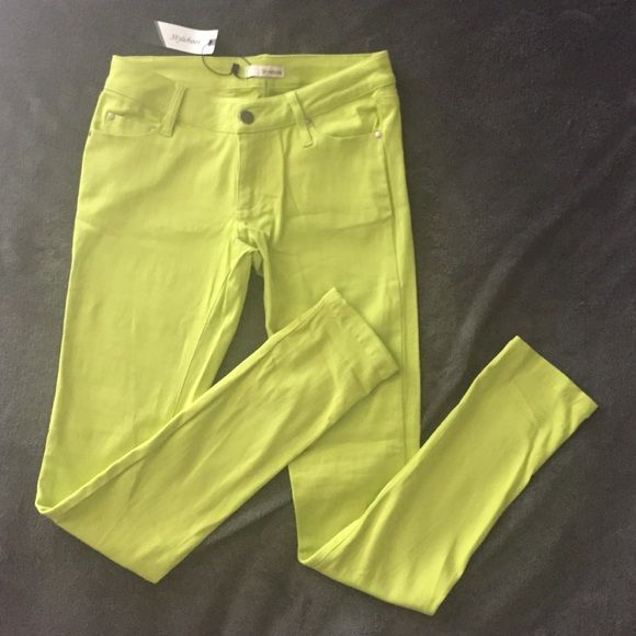 Lime green pants Lime green pants size small 97% cotton 3% spandex never worn Stylebook Pants