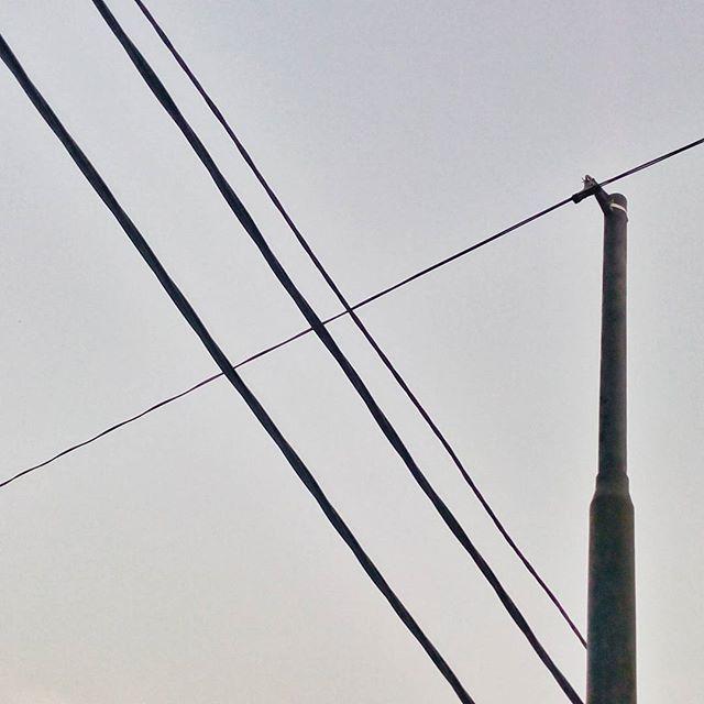 WEBSTA @ jakaanindita - Persilangan #argawana #bsdcity #rsa_minimal #crossing #powerpole #instanesia #housewarming