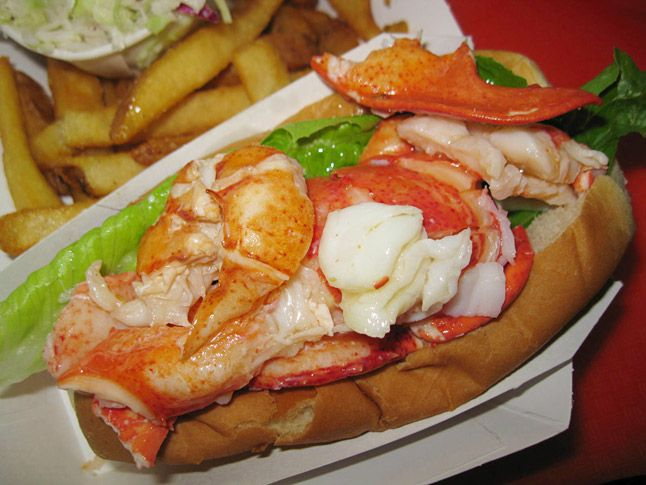 6 Connecticut-Style Lobster Rolls for Butter Lovers ...