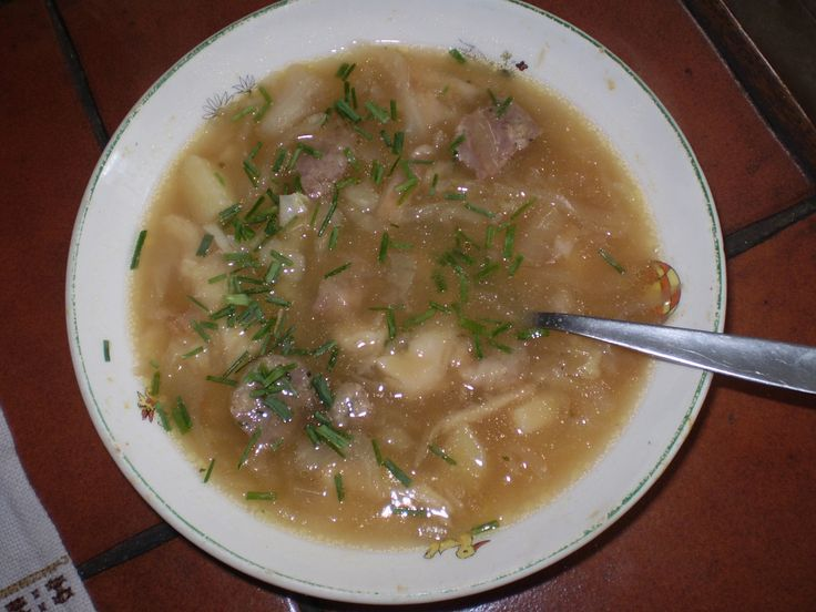 kozí brada (bílé zelí,brambory,klobása,vajíčko)