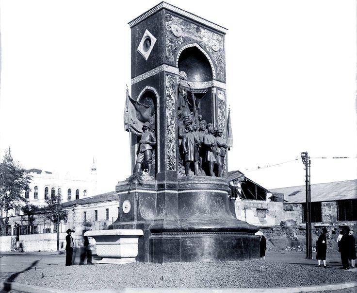 Taksim Cumhuriyet Anıtı / 1936