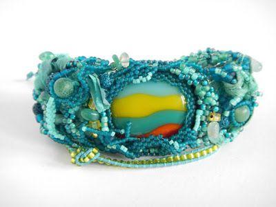 Wetland, bransoletka freeform peyote/ bracelet with glass cabochon, freeform peyote