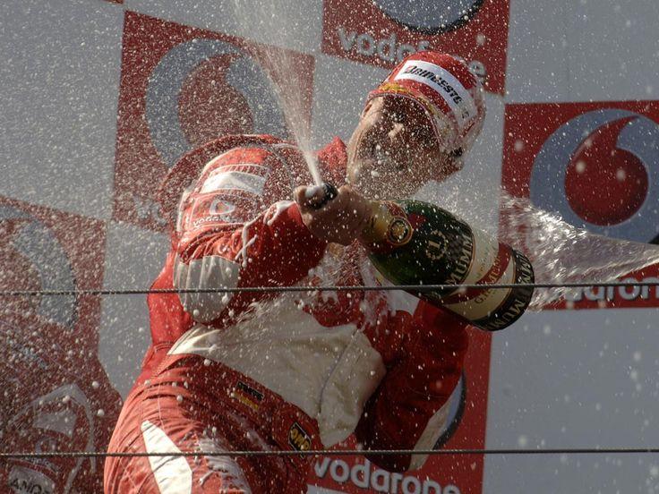 Michael #Schumacher en el podio de Nurburgring en 2006 #F1 #deporte #automovil