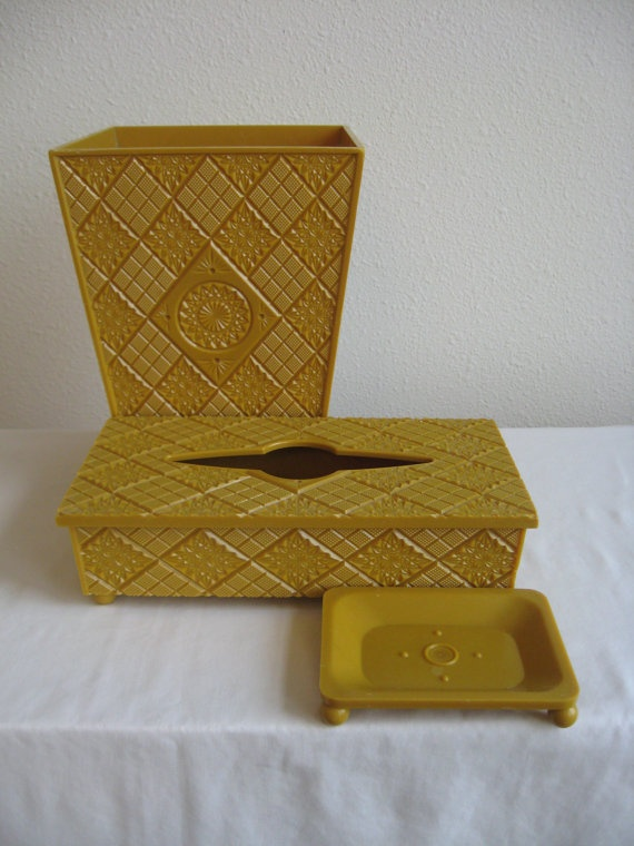 Mustard Yellow Bathroom Set - I Love the Seventies.