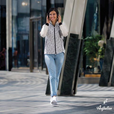 Reciving #flowers it's always #beautiful but sometimes #wearing them it's even better. Choose #Australian, wear #elegance. #womenswear #newcollection #2016 #urban #Milano  http://bit.ly/2d0jT7V