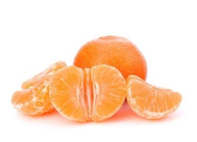 15 méthodes naturelles pour avoir des dents blanches et éclatantes (par exemple, frotter l'email des dents avec le côté blanc des pelures d'oranges)