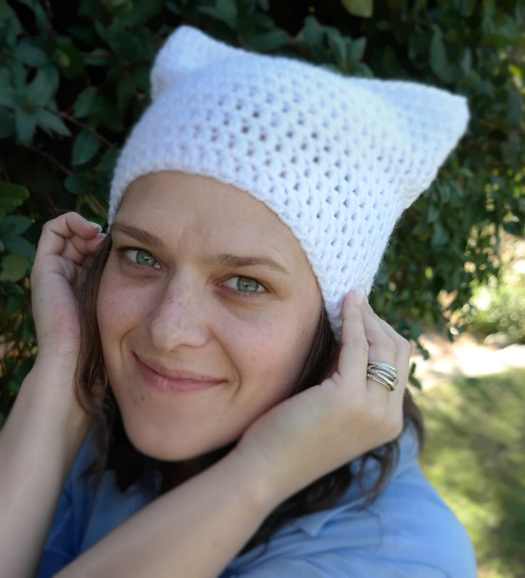 Learn how to crochet - a beginners guide by Julme Conradie @mysquarehat  Square crochet hat tutorial