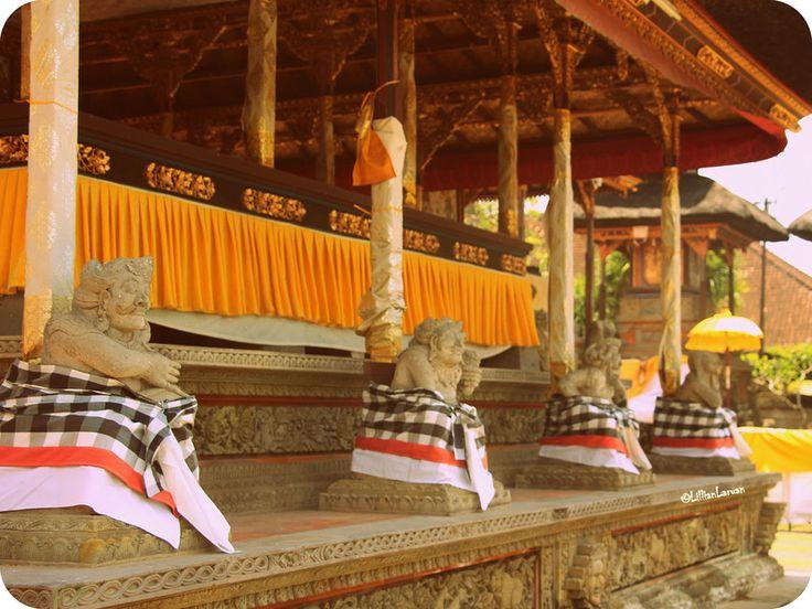 Holy cow! pretty skirts #Gianyar #Hindu #Balubulan #Bali