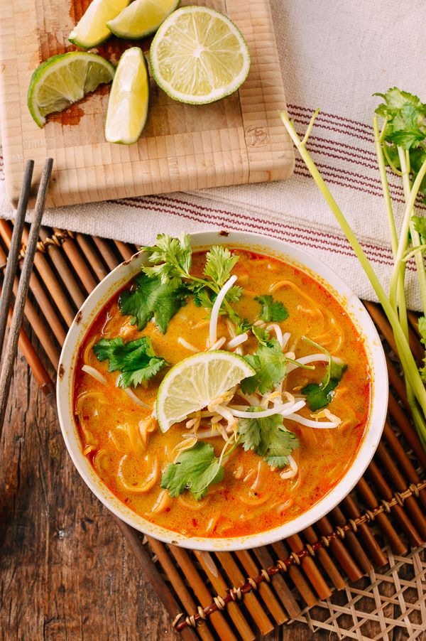 #Curry #Mee recipe by thewoksoflife.com