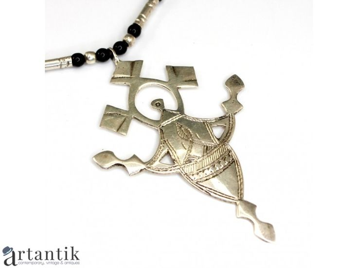 Colier tribal cu amuleta tuarega - In-Abagret - Crucea Agadez - argint & onix negru