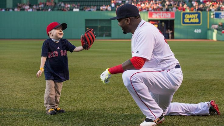 Watch: Fan with heart condition meets David Ortiz, throws first pitch