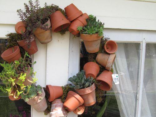 succulents-in-clay-pots wreath