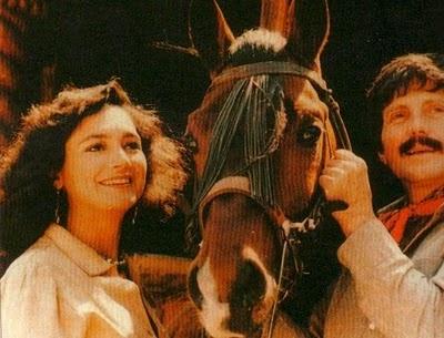 Quien pensaria que una #telenovelamexicana de 1986 estaria repuntando en el ranking de la Comunidad de #telenovelas ? Se trata de la telenovela La Gloria y El Infierno con Ofelia Medina y el actor Héctor Bonilla