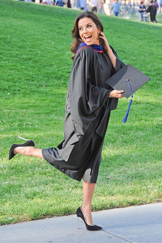 Eva Longoria picks up masters degree