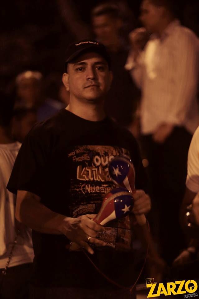 #ElZarzoRevista en Salsa al Parque. — con Cesar Parra.