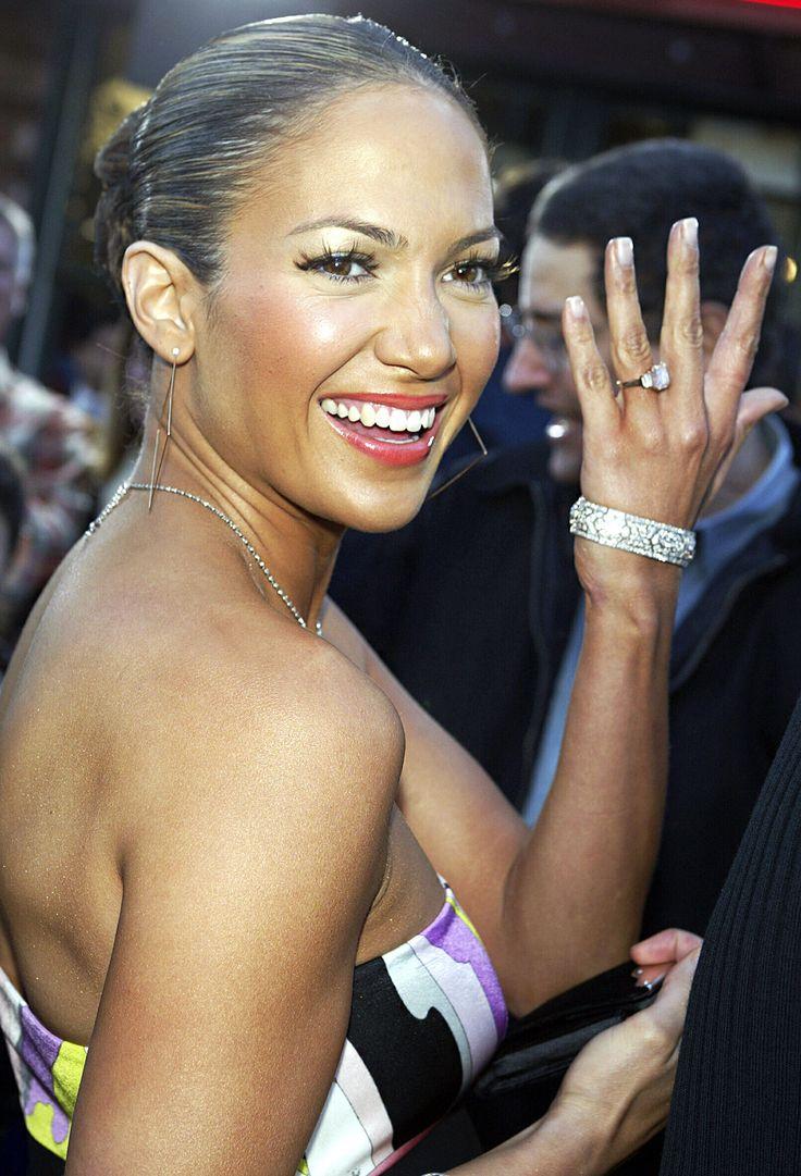 #jenniferlopez Flaunting Her 61carat Pink Harry Winston #diamond # Engagement #ring
