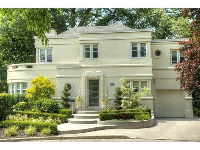 http://www.realtor.ca/Residential/Single-Family/16006024/11-OAKWOOD-Place-HAMILTON-Ontario-L8S4C9